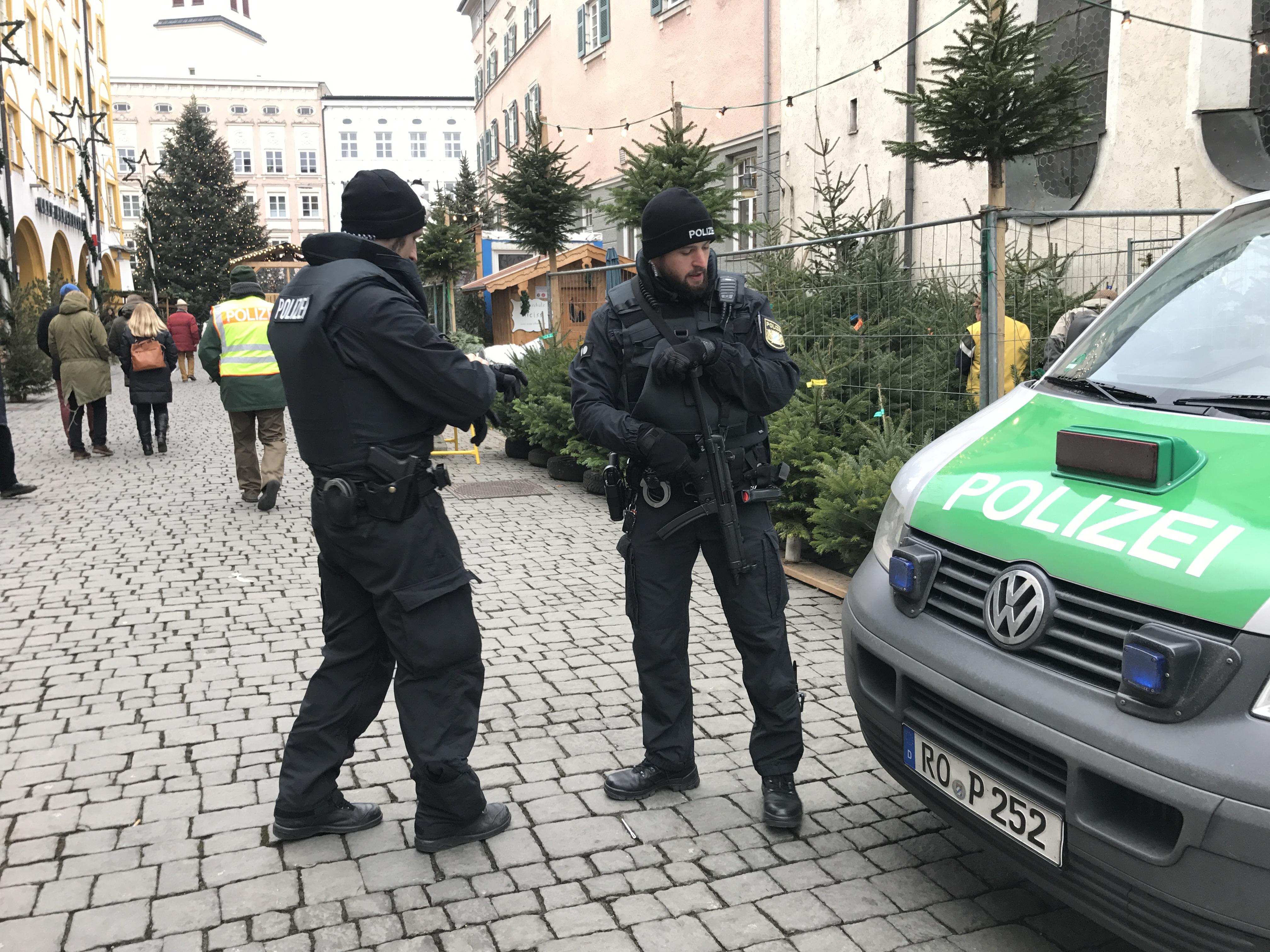 Polizei Christkindlmarkt 2