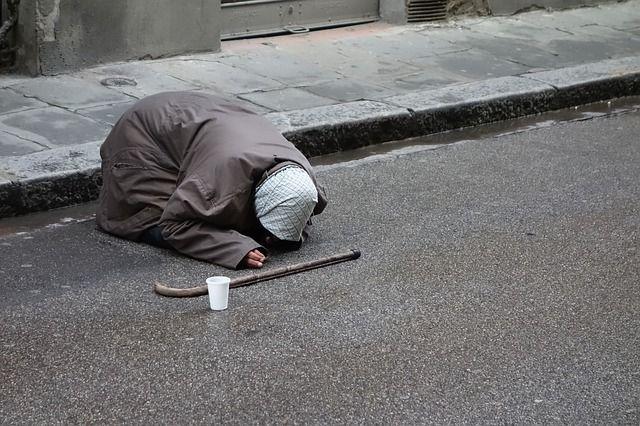 begging-1450534 640