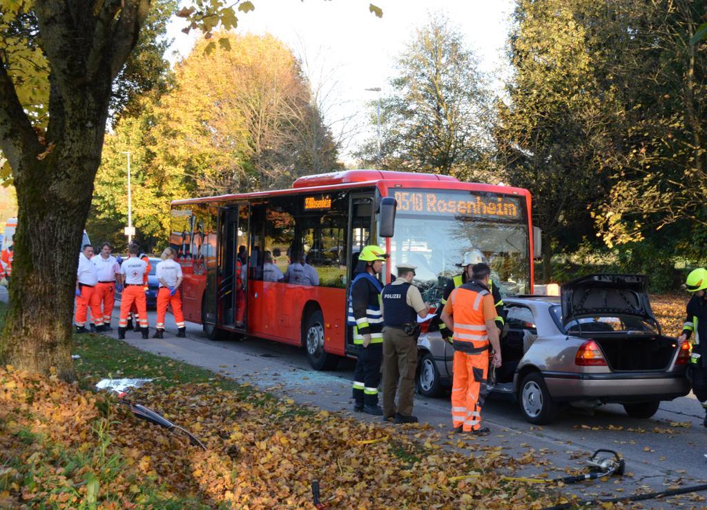 1020 Endorf Unfall update 574472482-1128431 1 end vu rosenheimerstr2018-NQa6