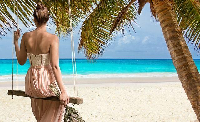 beach-2858720 640
