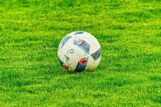 football-2778583 640