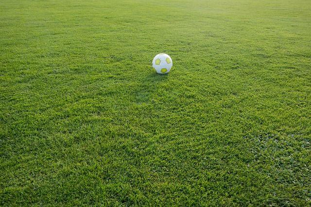 football-472047 640
