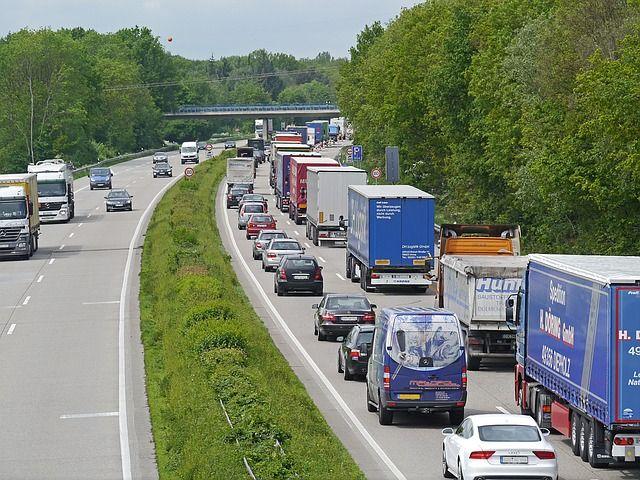 highway-1338440 640
