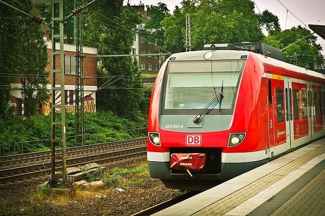 railway-1491714 640