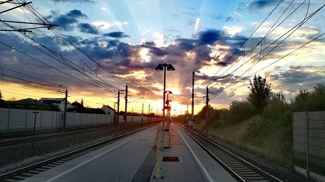 sunrise-2548100 640
