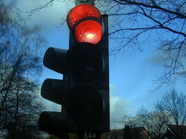 traffic-lights-242323 640