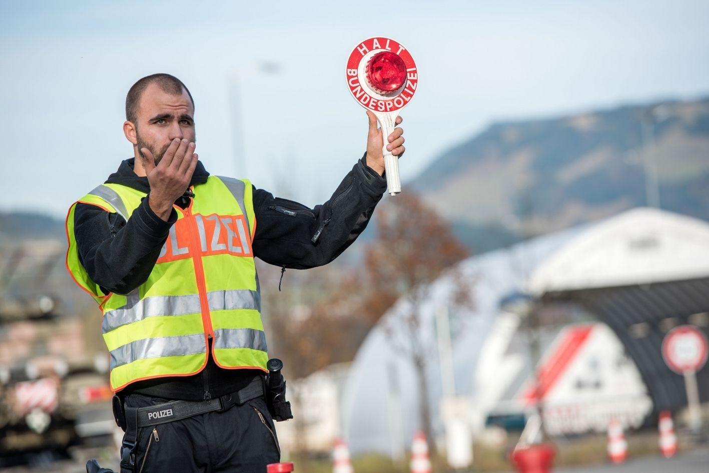 Grenzkontrolle_Bundespolizei_1.jpg