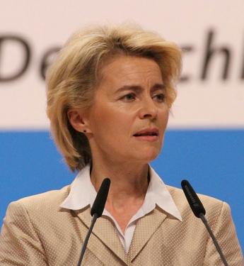 Ursula von der Leyen CDU Parteitag 2014 by Olaf Kosinsky 10