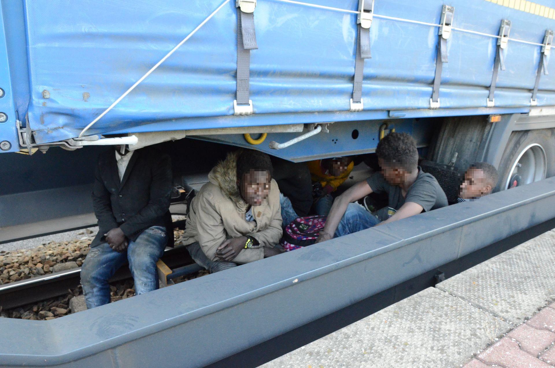 Migranten Güterzug