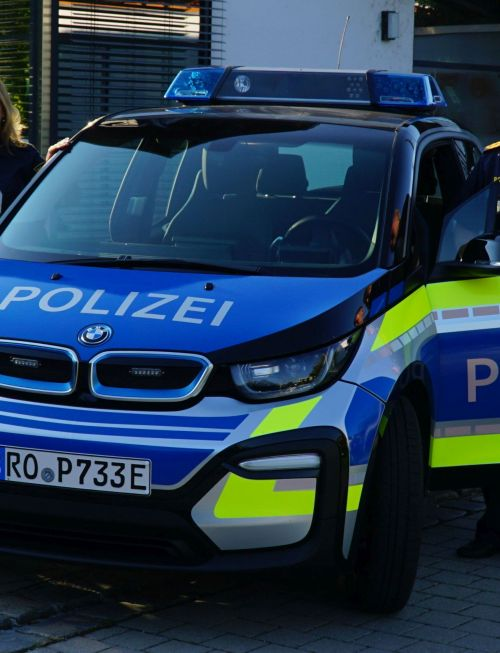 Polizeiauto blau neu