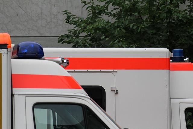 ambulance 974409 640