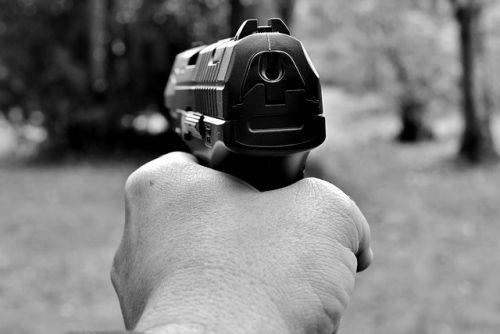 pistol 2948712 640