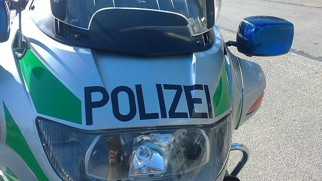 polizeimotorrrad-327900 640