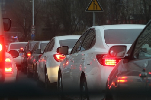 traffic jam 688566 640
