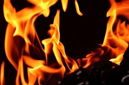 fire 2204171 640