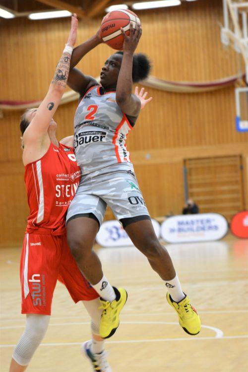 Basketball WB Saarlouis Foto Gabi Hoerndl