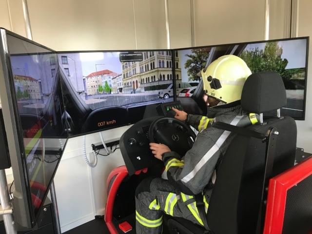 01 Training im Einsatzfahrten Simulator