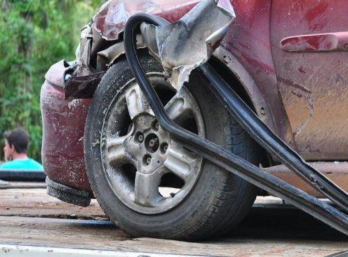 Auto Unfall Symbolbild Oktober20 4