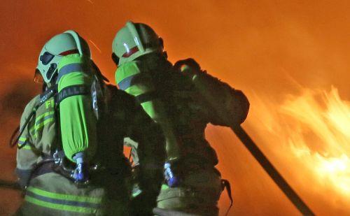 Feuerwehr Brandbekaempfung Flammen