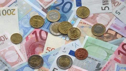 Geld Muenzen sparen Finanzen 1