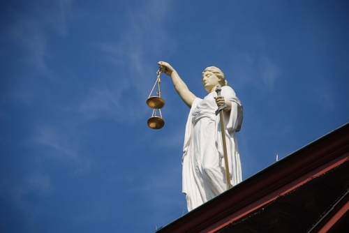 Justizia 1