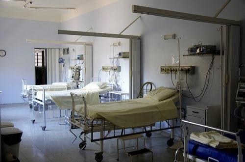 Krankenhaus leere Betten