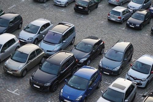 Parkplätze Autos Verkehr 2