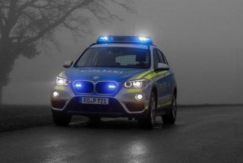 Polizeiauto Nebel