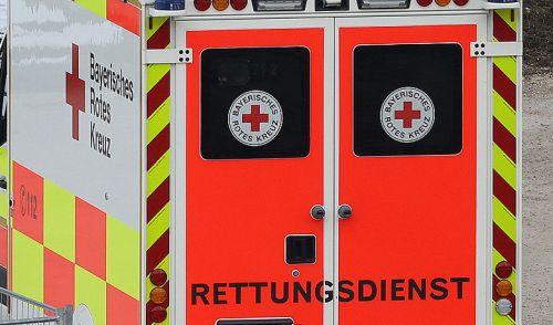 Rettungsdienst Sanka Notarzt Unfall