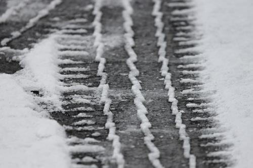 Schneefahrbahn Winter