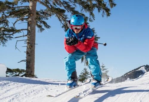 Skifahrer Symbolbild