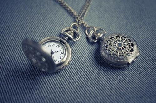 Uhr Medallion Schmuck