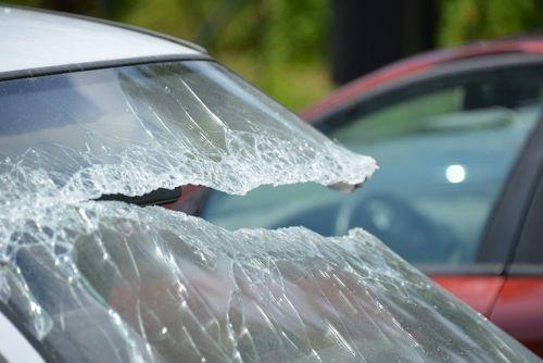Unfall Auto Symbolbild 1