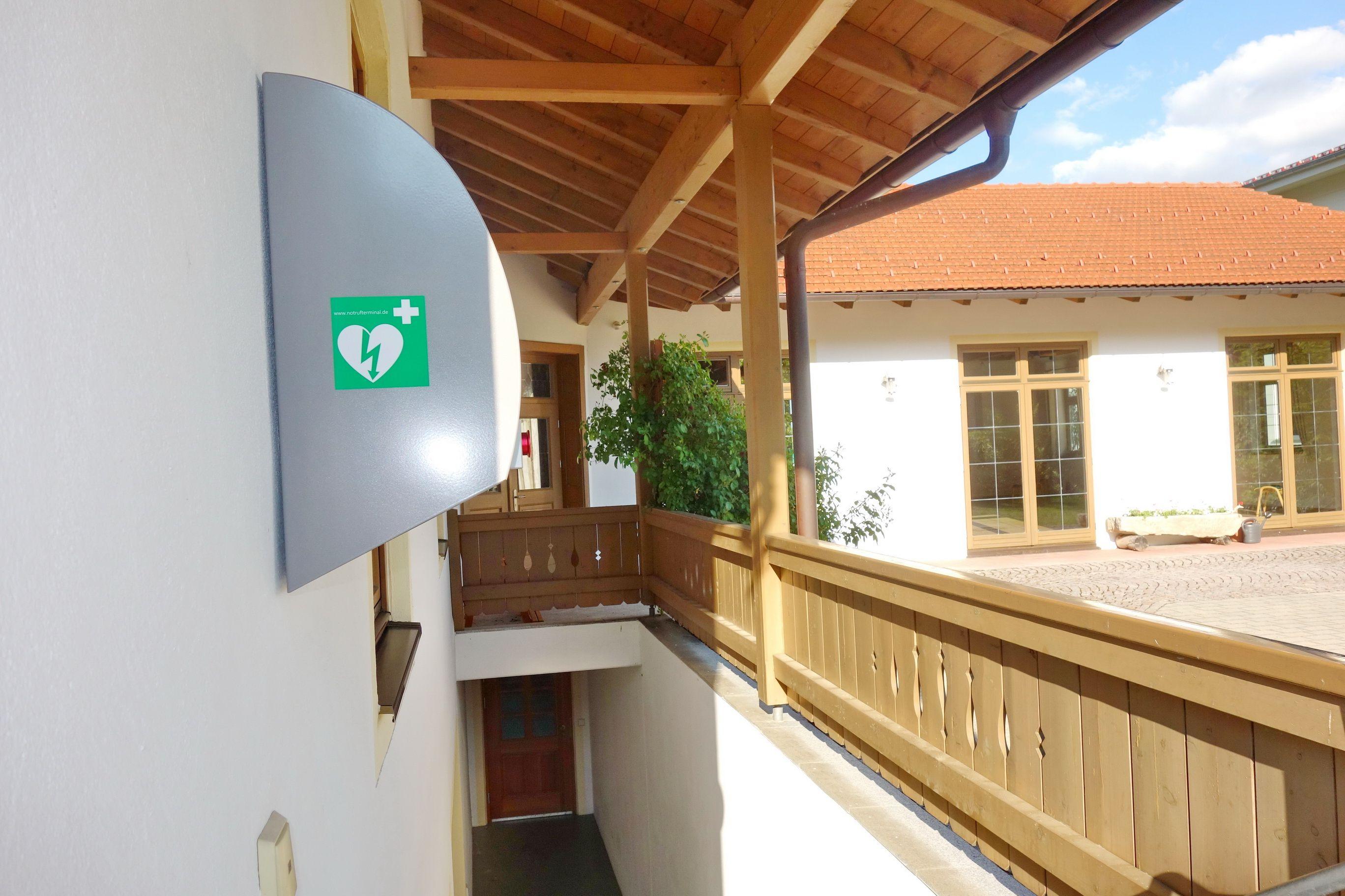 0610 Defibrillator Atzing