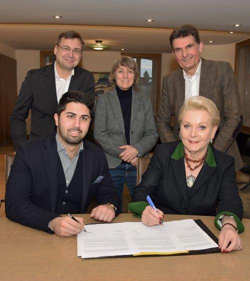 Unterzeichnung Rahmenvertrag