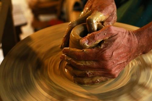 hands 1283146 640