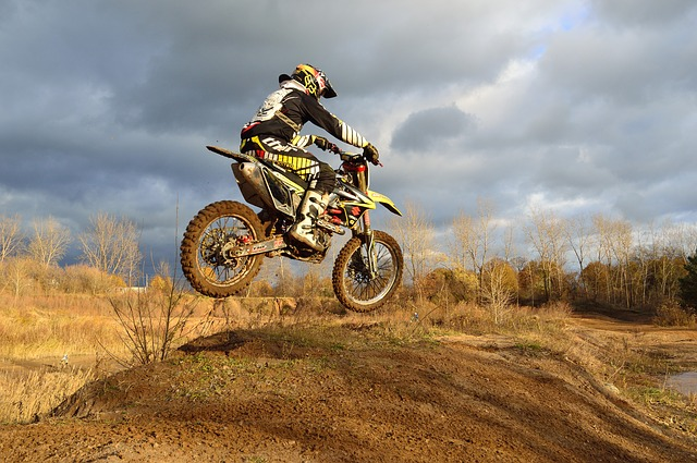 dirt-bike-209489 640