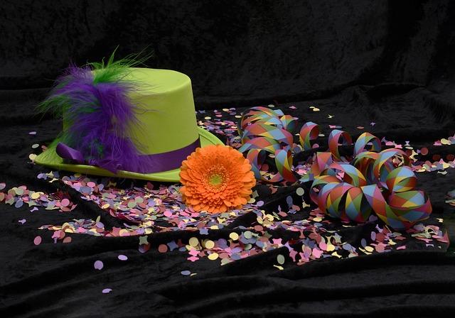 hat-2014559 640