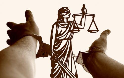 justitia-3222265 640