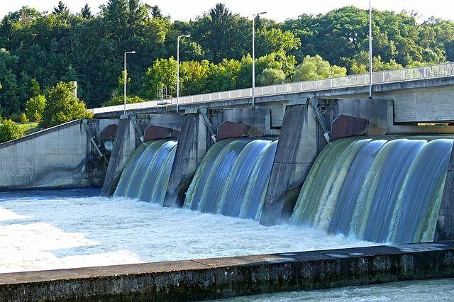 barrage-1282507_6401.jpg