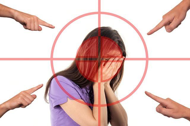 bullying-3096216_640.jpg