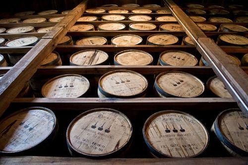 distillery-barrels-591600 640