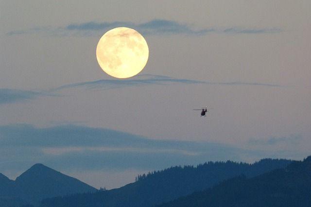 full-moon-460316_640.jpg