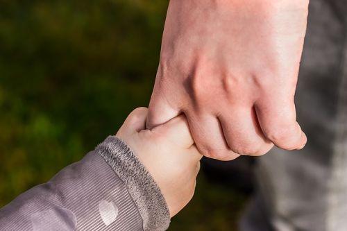 hands-1797401 640