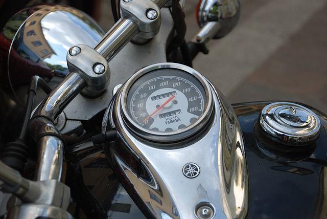 motorcycle-3442848_640.jpg