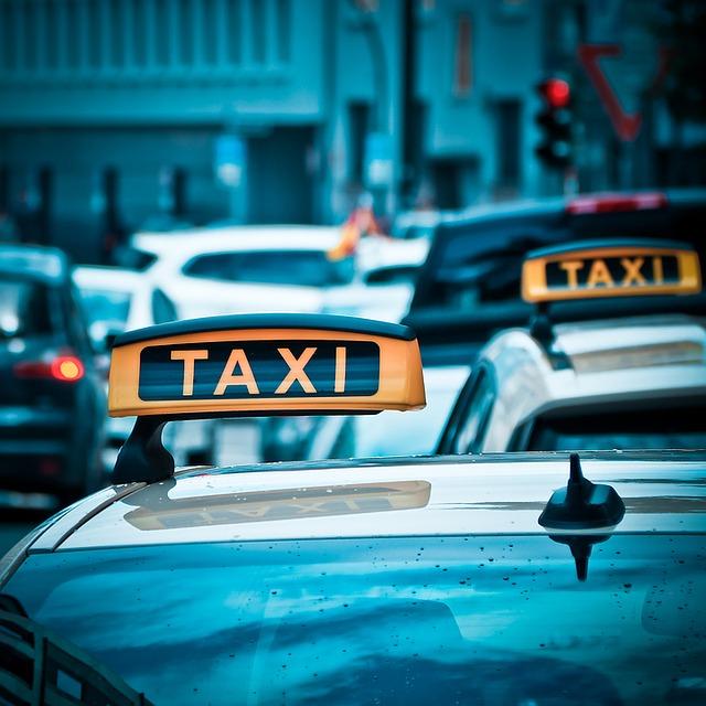 taxi 1515423 640